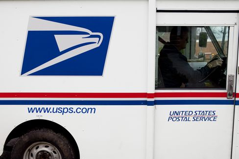 U.S. Postal Service Urged to Weigh Contracting Most Operations