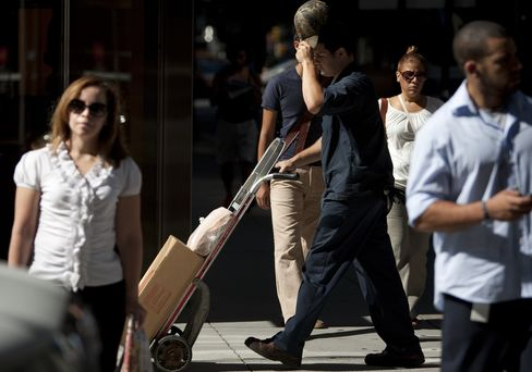 Recession Threatens on Household Spending