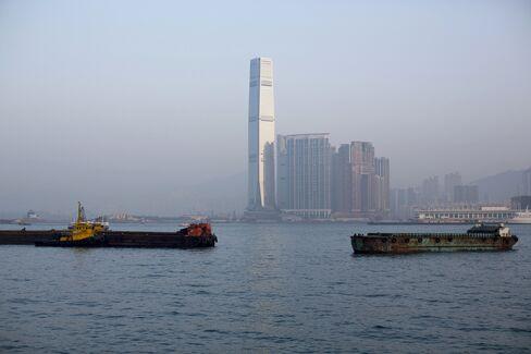 Credit Suisse Said to Seek to Sublet 2 Floors at Hong Kong's ICC