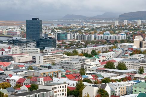 Chinese Billionaire Won't Give Up on Iceland Plan After Snub
