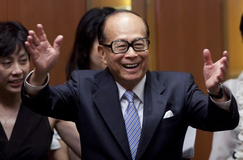 Cheung Kong Holdings Ltd. Chairman Li Ka-Shing, one of Hong Kong's richest men, owns his 43 percent stake of Cheung Kong through namesake trusts and companies in the Cayman and British Virgin Islands, according to regulatory filings with the Hong Kong stock exchange. Photographer: Jerome Favre/Bloomberg