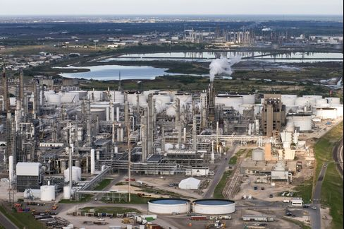 Refiners Awash in Shale Oil Offer 10 Times Exxon Returns