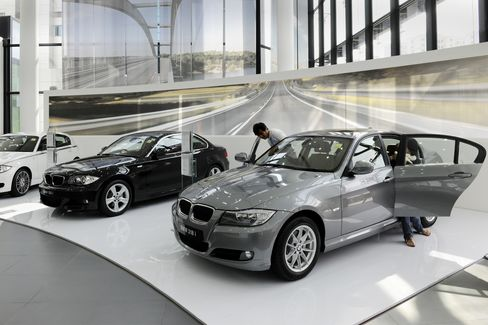 BMW at $260,000 as Singapore Tax Keeps Cars for Rich