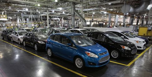 Ford Amasses Driver Data to Improve on Federal Mileage Ratings