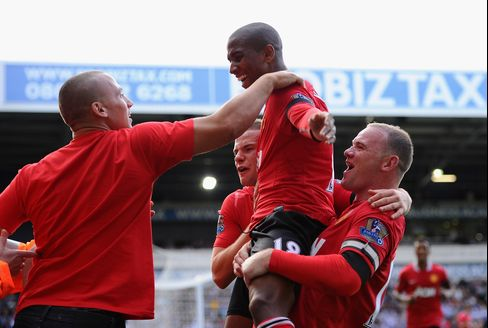Manchester Utd. Opens Title Defense With Win