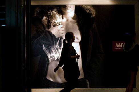 Teens Flee Abercrombie for Upstarts as Phones Top Malls