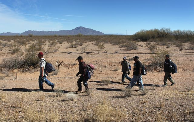 Heading for the border.Photographer: John Moore/Getty Images