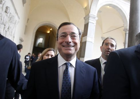 Draghi Takes ECB Helm in Battle Mode
