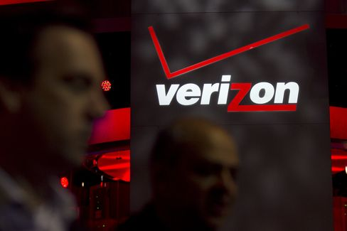 Verizon Doubles Down on U.S. as AT&T Seeks a Hedge in Europe