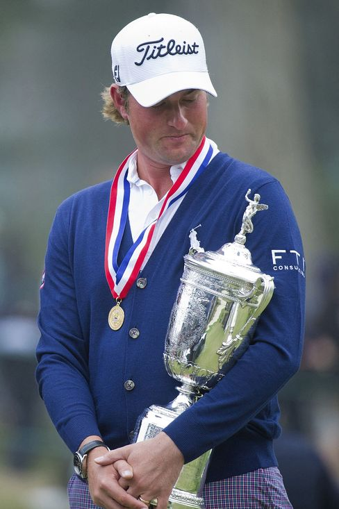 Simpson Wins First Major as Woods Leaves U.S. Open Stuck at 14