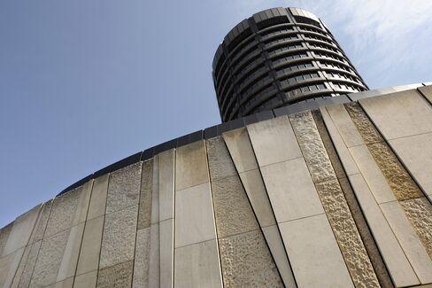 Havens Becoming Elusive as Bonds Lose Risk-Free Status, BIS Says