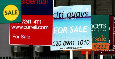 U.K. House Prices Unexpectedly Rose in August, Halifax Says