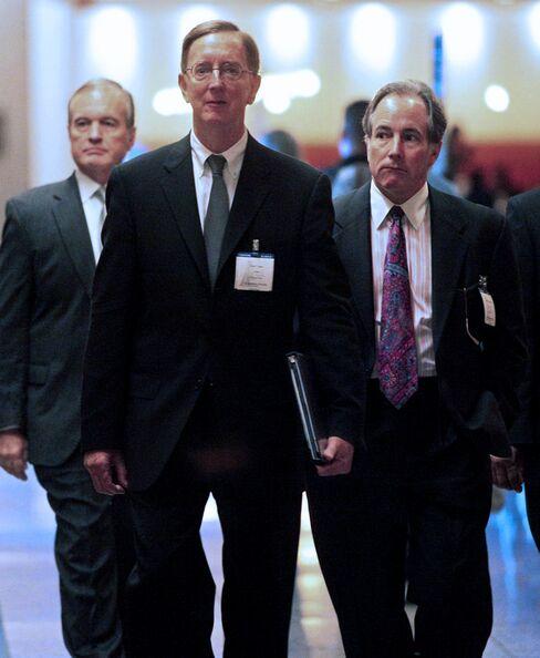 Dollar Chairman Thomas Capo and CEO Scott Thompson