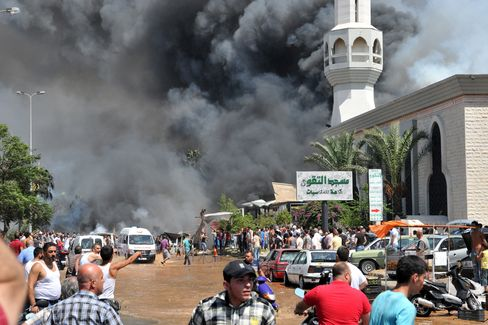 Explosions Hit Sunni Mosques in Lebanon, Killing 12, Wounding 25