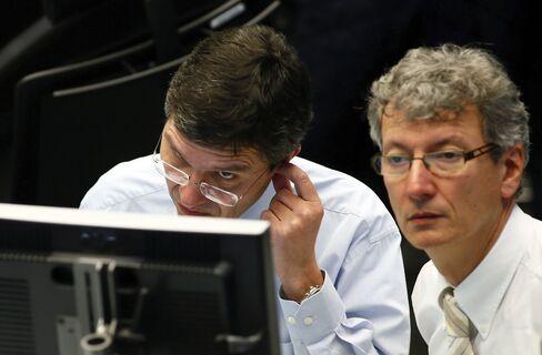 European Stocks Little Changed Near 4 1/2 High