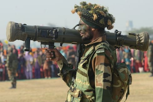 India to Reduce Defense Budget, Boost Local Weapons Production