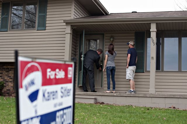 One step in the housing chain reaction.  Photographer: Daniel Acker/Bloomberg