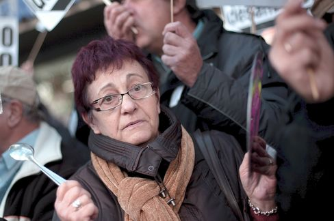 Rajoy Aims to Stem Evictions as Suicide Darkens Spain Crisis