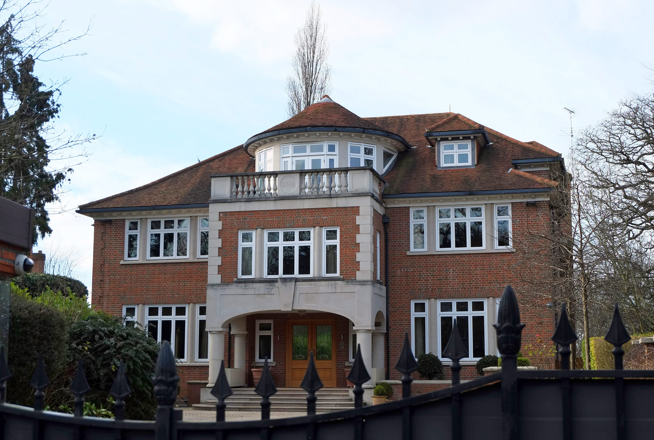 Uk mansions money laundering for Luxury homes in london