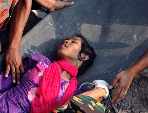 Bangladesh Finds Lone Survivor as Building Death Toll Hits 1,051