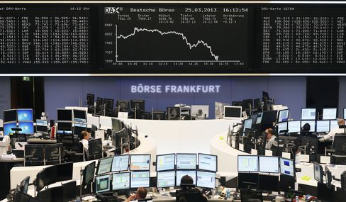 Stocks, Euro Drop as Enthusiasm for Cyprus Bailout Deal Fades