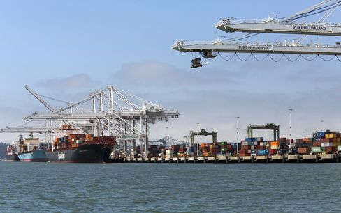 U.S. Trade Gap Widened to $42 Billion in July as Exports Fell
