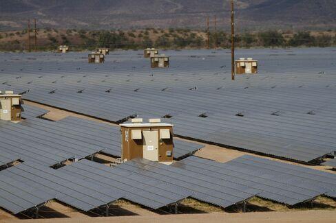 Solar Silicon Falling 9% Widens Slump That Hit Solyndra