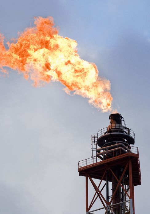 Big Oil Sells Assets at Record Pace as China Inflates Prices