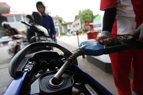 Indonesia Signals Higher Fuel Price Still Needed to Curb Subsidy