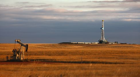 The Bakken's output, along with surges in Texas and elsewhere, has the U.S. poised to overtake Saudi Arabia next year as the world's biggest source of crude. Photographer: Matthew Staver/Bloomberg
