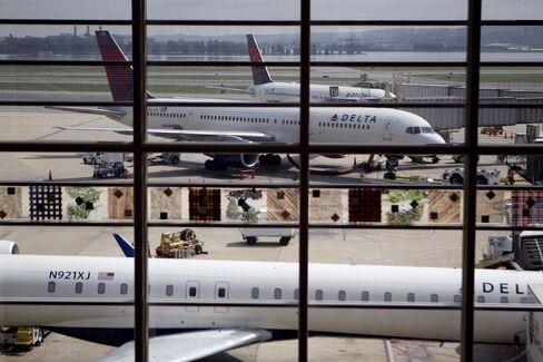 Delta Returns $1 Billion to Holders in Dividend-Buyback Package