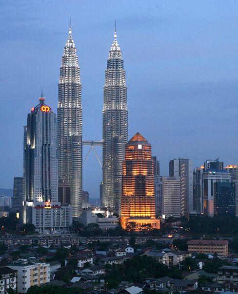 Arab-Malaysian Banking Pioneer Najadi Shot Dead, Wife Wounded