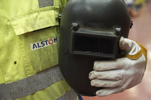 U.K. Prosecutors Said to Alert Ex-Alstom Employees of Charges