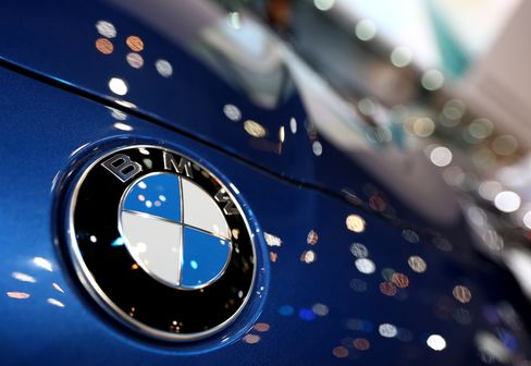 BMW Overtakes Mercedes With U.S. Auto Sales Best Since '07