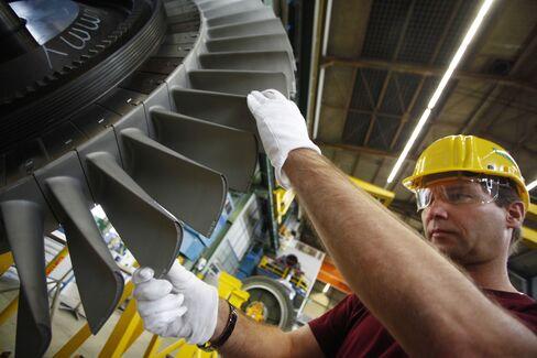 Siemens Raises Full-Year Profit Forecast as Sales Advance