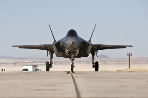 F-35 Flights May Resume Within Week of Finding Fault, Chief Says