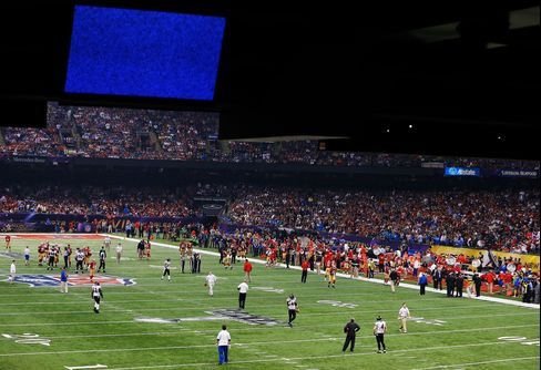 AT&T Sets Super Bowl Mobile Data Record as Superdome Goes Dark