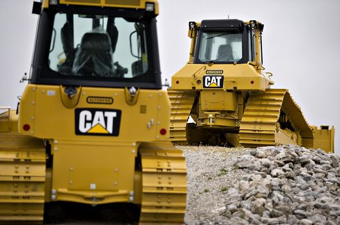 Caterpillar Earnings Surpass Estimates as U.S. Economy Recovers