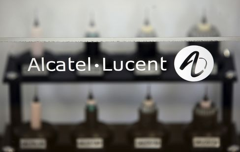 Alcatel-Lucent Considers Asset Sales as Losses Mount