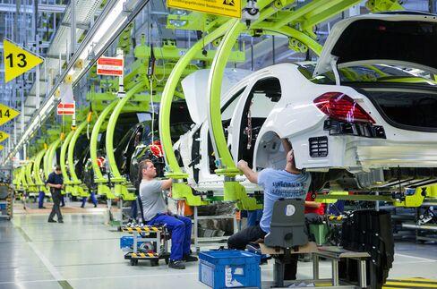 Employees Work on an Automobile Production Line in Sindelfingen