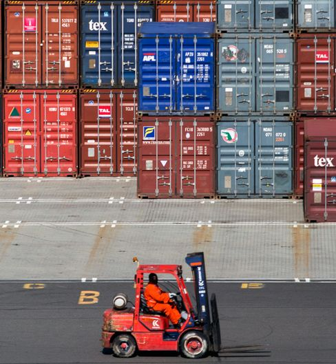 Port Strike Deadline Raises Pressure for Obama Intervention