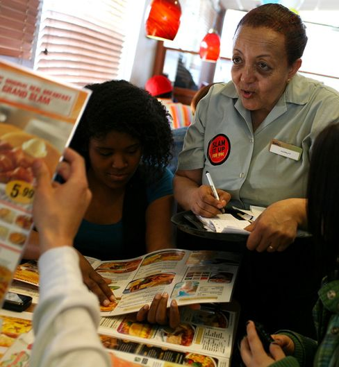Labor-Backed Diners Guide Rates Restaurants on Living Wage