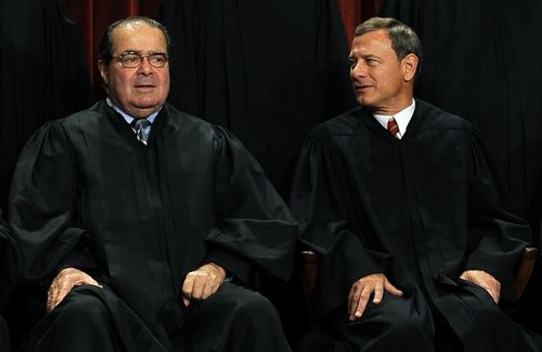 Scalia Says He Had No 'Falling-Out' With Roberts on Health Care