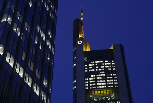 Commerzbank Investors Vent Anger at CEO After Worst Performance