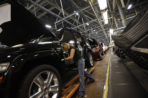 Chrysler is investing $500 million in its Toledo Assembly Complex and welcoming next year 1,100 new employees. Photographer: J.D. Pooley/Getty Images