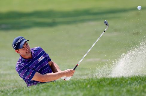 Harrington Leads Barclays After 7-Under-Par 64, Woods Four Back