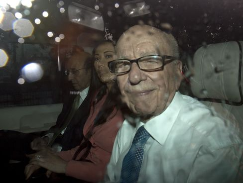 Murdochs Say They Relied on Law Firms Findings