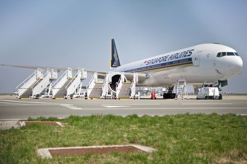 A Singapore Airlines airplane