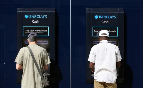 Barclays May Announce Capital Raising Plan Next Week, WSJ Says