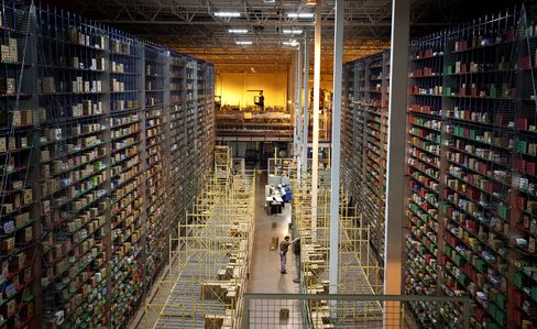 Blackstone Said to Buy Dexus U.S. Warehouses Worth $800 Million